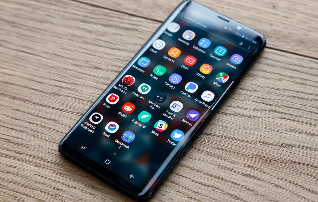 Samsunga Galaxy S10, zdjęcie Samsunga Galaxy S10, wygląd Samsunga Galaxy S10, design Samsunga Galaxy S10
