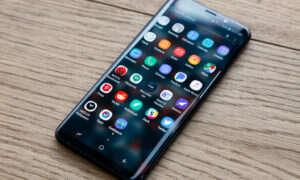 """Wypłynęło kolejne """"realne"""" zdjęcie Samsunga Galaxy S10"""