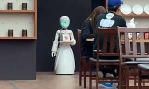 Japońska kawiarnia zatrudnia niepełnosprawne osoby do sterowania robotami-kelnerami