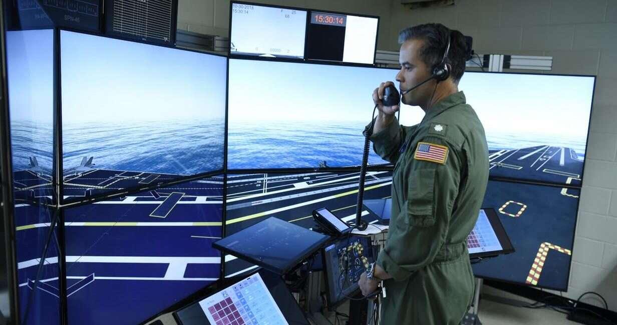 symulator, wojsko, US Navy, lotniskowiec, załoga lotniskowca, symulator lotniskowca