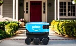 Amazon uruchomił usługę autonomicznych robotów kurierów