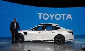Prototyp Toyoty napędzają dwa autonomiczne systemy – Guardian i Chauffeur