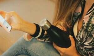 Zakrętka CrazyCap wykorzystuje promienie UV aby zwalczać bakterie