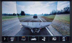 """Najnowszy pickup Sierra Heavy Duty """"widzi"""" przez przyczepy"""