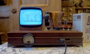Konsola Sega Master System II w obudowie jak z XIX wieku