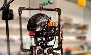 Robot LEONARDO może chodzić, skakać, a nawet latać