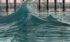 W laboratorium odtworzono wyjątkowo silną falę oceaniczną