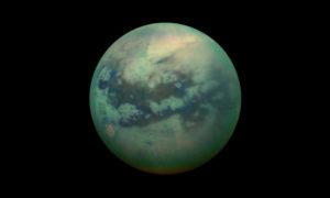 Skąd wzięła się gęsta atmosfera Tytana?