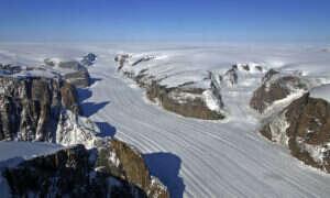 Pokrywa lodowa Grenlandii topi się niezwykle szybko
