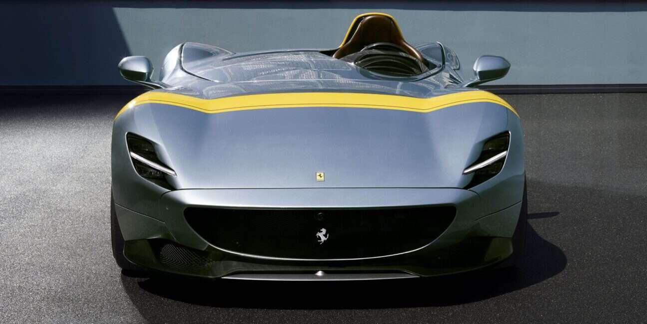 Posłuchaj tych V12 pod maskami Ferrari Monza SP1 i SP2