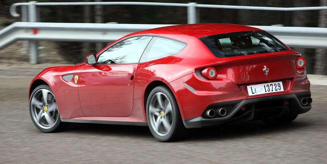 Praktyczność i przyjemność z jazdy - na to mogą liczyć nabywcy Ferrari FF