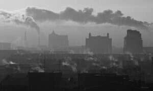 Czarny śnieg na Syberii jest toksyczny