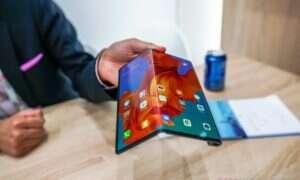 Do 2021 roku składane smartfony będą bardziej przystępne cenowo