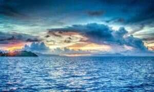 Do 2100 roku oceany zmienią swój kolor
