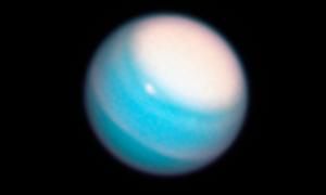 Dlaczego Uran jest taki dziwny?