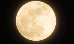 Pomoc inwestorów jest konieczna do wysłania ludzi na Księżyc