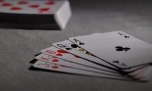 """SI używa niewerbalnego """"języka"""", aby zwyciężać w grach karcianych"""