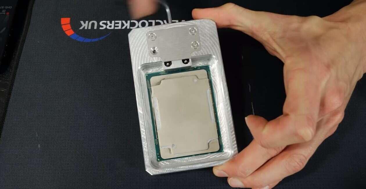 Overclocker oskalpował kosztującego 2999$ Xeona W-3175X