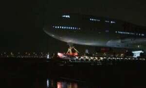 Olbrzymi Boeing 747-400 zakończył swoją ostatnią podróż po autostradzie