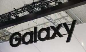 Samsung Galaxy A90 z wysuwanym aparatem, który się obraca
