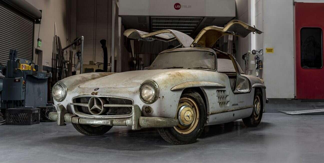 Mercedes-Benz odwiedzi akcje charytatywną z dwoma 300SL Gullwing