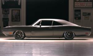 Dodge Charger 1970 Evolution wymaga od kierowcy nie lada uwagi