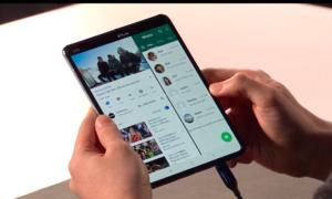Samsung pokazuje możliwości wyginania Galaxy Fold