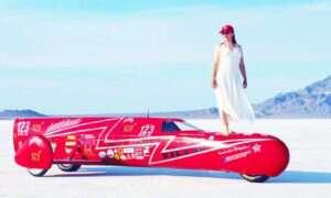 Nagranie z bicia rekordu 380 km/h elektrycznym motocyklem KillaJoule
