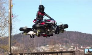 Lazareth zaprezentował latający motocykl LMV 496 zdolny do transformacji