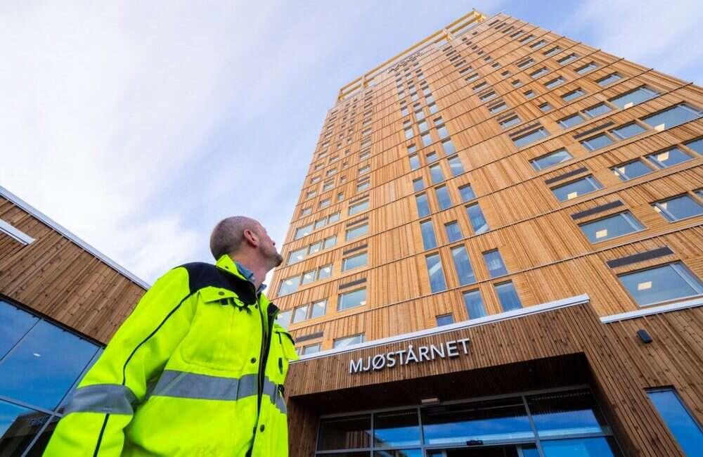 Norweski Mjøstårnet oficjalnie najwyższym na świecie budynkiem z drewna
