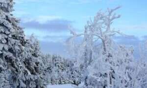 Powstawanie łańcuchów górskich w tropikach powoduje ochładzanie klimatu?