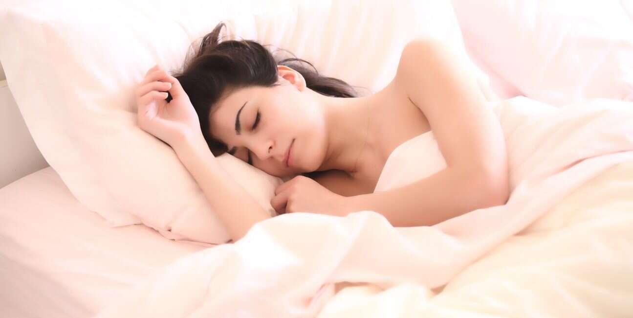 sen, znaczenie snu, DNA, uszkodzone DNA, naprawianie DNA, sen DNA, sen naprawia DNA