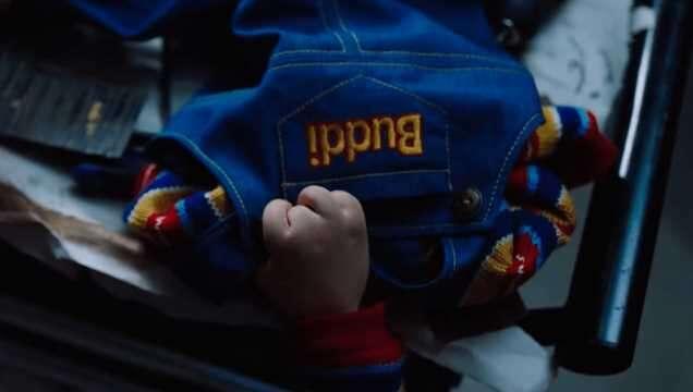 Mark Hamill pokazuje laleczkę Chucky