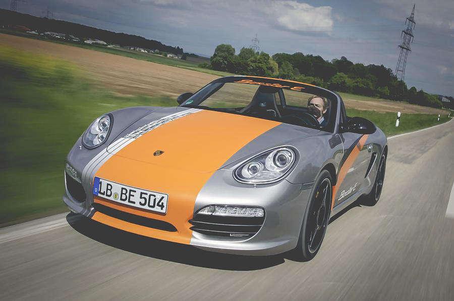 Porsche zajmuje się już testowaniem elektrycznej wersji Boxstera i Caymana