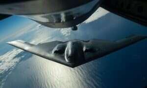 Bombowiec B-2 Spirit USA odkrywa przed nami karty