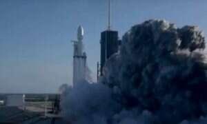 SpaceX odzyskało trzy boostery z pierwszego komercyjnego lotu Falcon Heavy