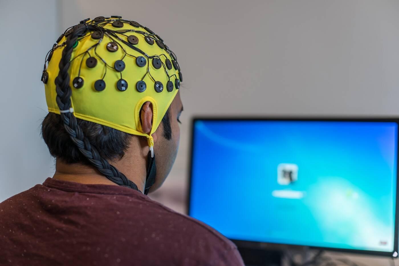 Elektryczna stymulacja, mózg Elektryczna stymulacja, młodszy mózg, odmładzanie mózgu, Elektryczna stymulacja starsze osoby
