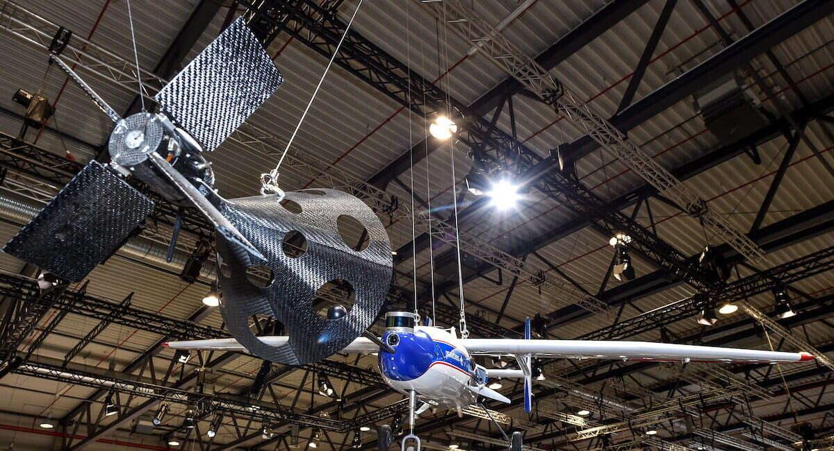 Niemiecka agencja kosmiczna chce łapać rakiety w locie