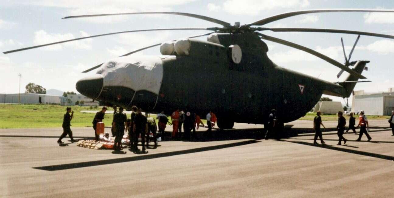 """Historia największego na świecie śmigłowca Mi-26 """"Halo"""" z Rosji trwa nadal"""