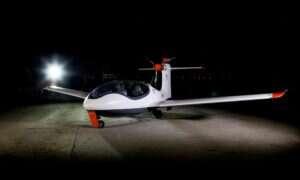 """""""Przystępny cenowo"""" elektryczny samolot P2 Xcursion odbył swój pierwszy lot"""