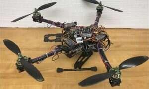 Inspirowany owadami dron przewyższa tradycyjne quadkoptery