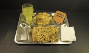 Pewien YouTuber przetestował już wojskowe racje żywieniowe z trzech wieków