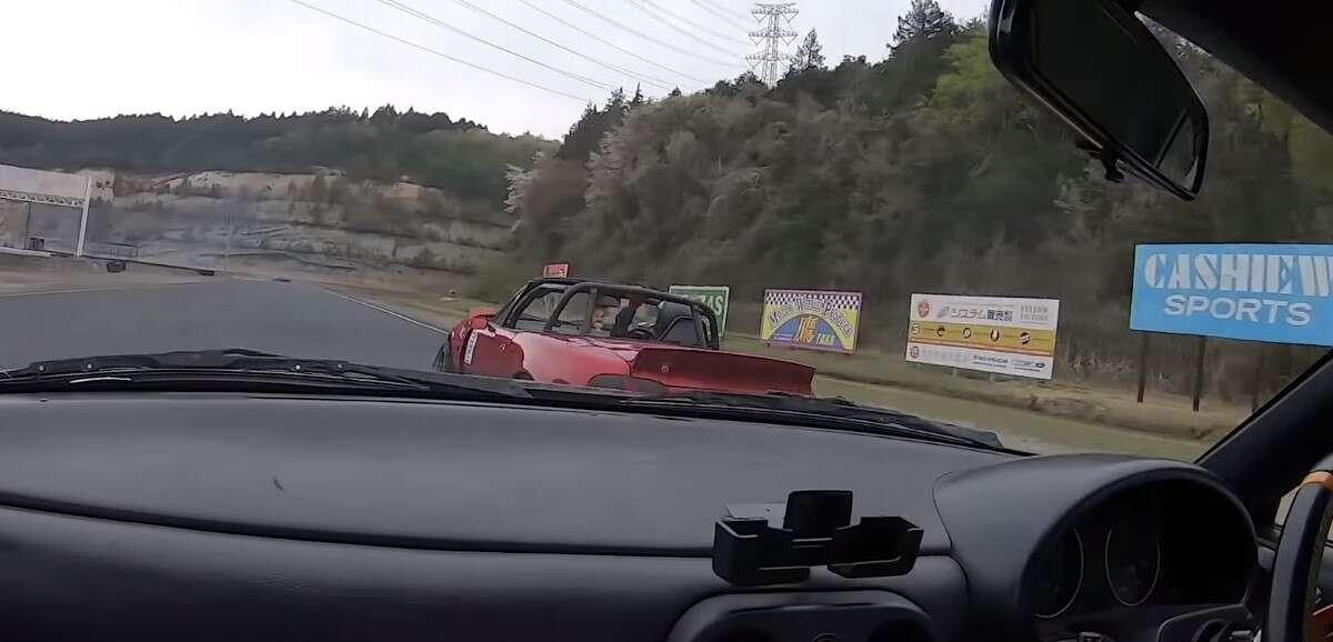 Wygląda na to, że Mazda MX-5 radzi sobie dobrze w praktycznie każdej sytuacji
