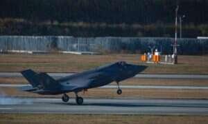 Zwyczajny ptak uziemił myśliwiec F-35 Joint Strike