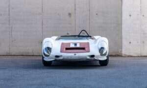 Porsche 910/8 Bergspyder jest jednym z najlżejszych samochodów wyścigowych, którego renowacja jest koszmarem