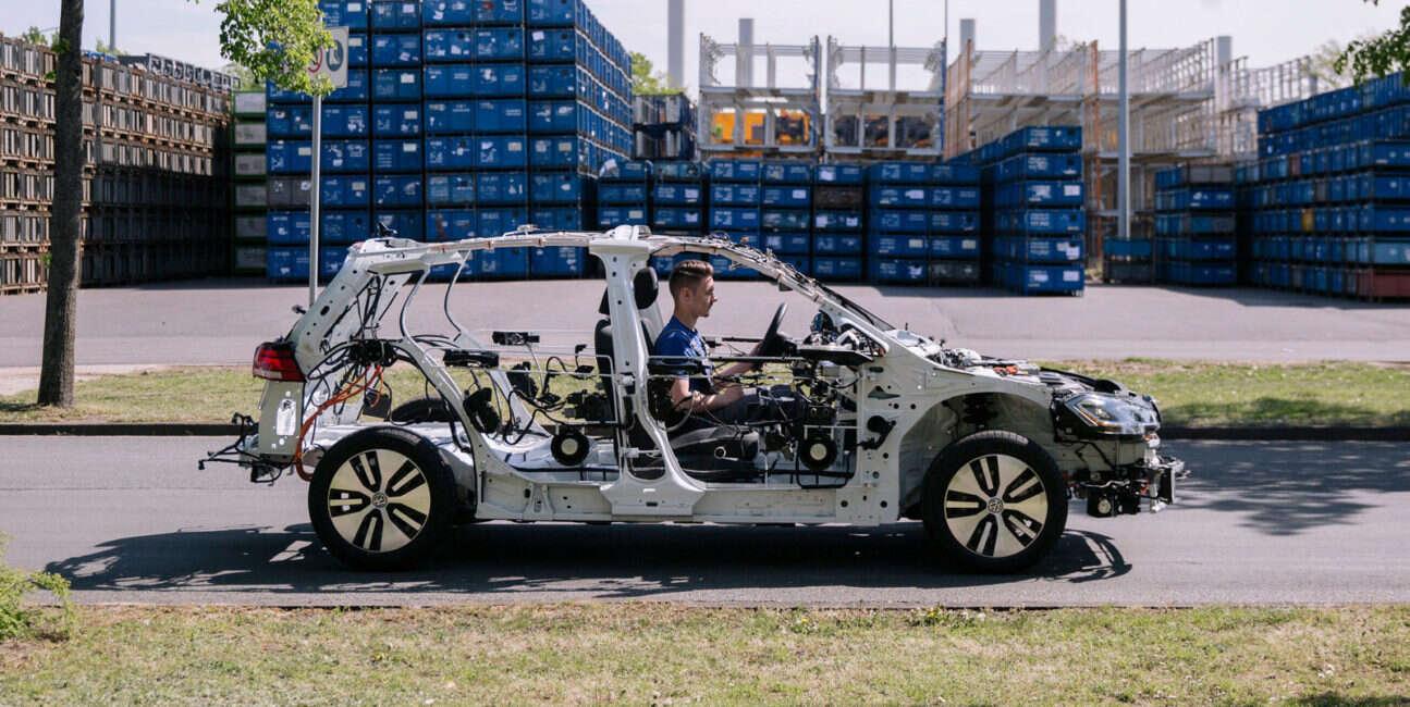 Szkielet elektrycznego samochodu eGon od Volkswagena działa... i uczy!