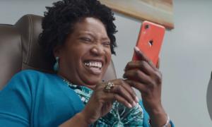 iPhone to bezpieczny telefon – czy nowa reklama Was przekonuje?