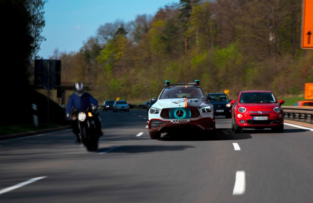 Mercedes testuje szereg nowych ratujących życie dodatków w swoim ESF