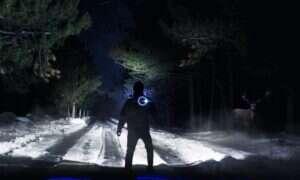 Podwójne latarki Tronex zamieniają noc w dzień swoimi 4900 lumenami