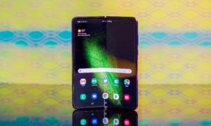 Samsung rozdaje punkty wszystkim, którzy zamówili Galaxy Fold